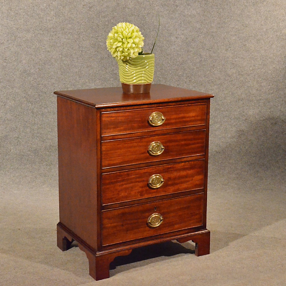 Antique small chest of drawers bedside cabinet quality for Small bedside chest of drawers