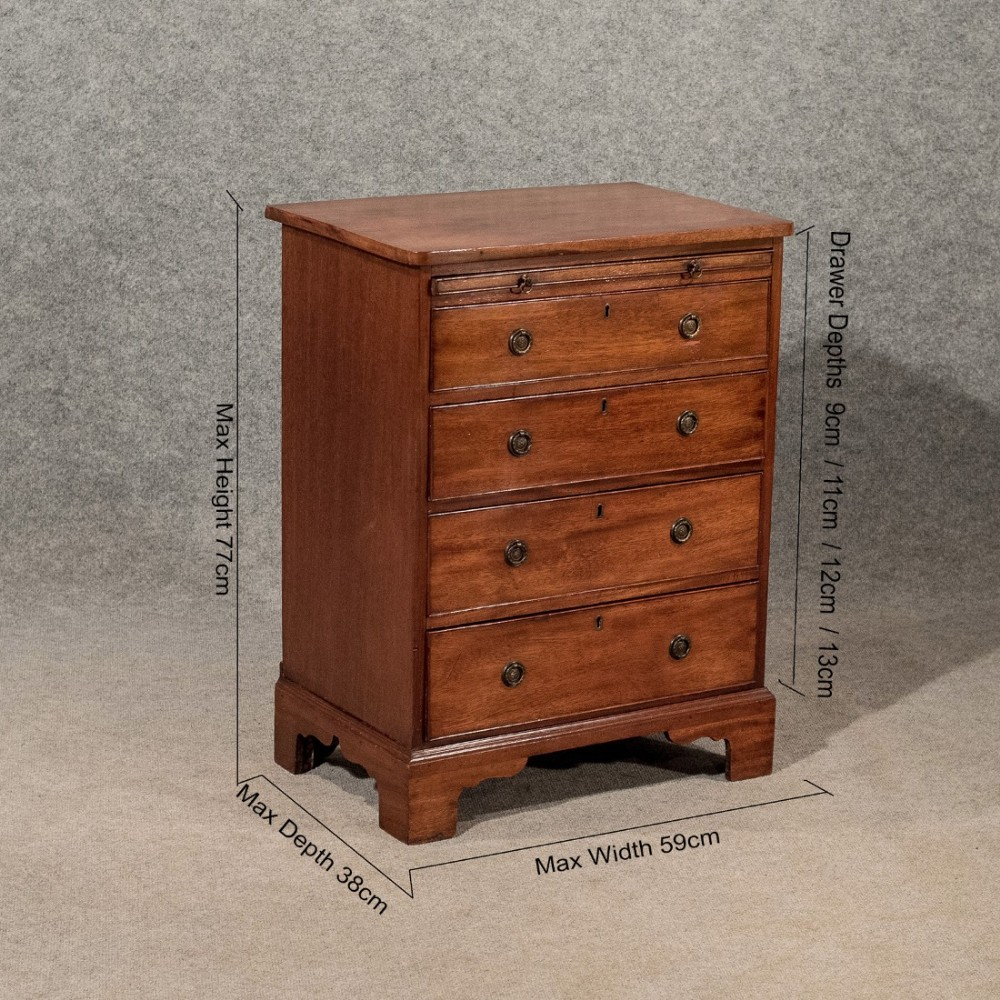 Antique small bachelors chest of drawers bedside table for Small bedside chest of drawers