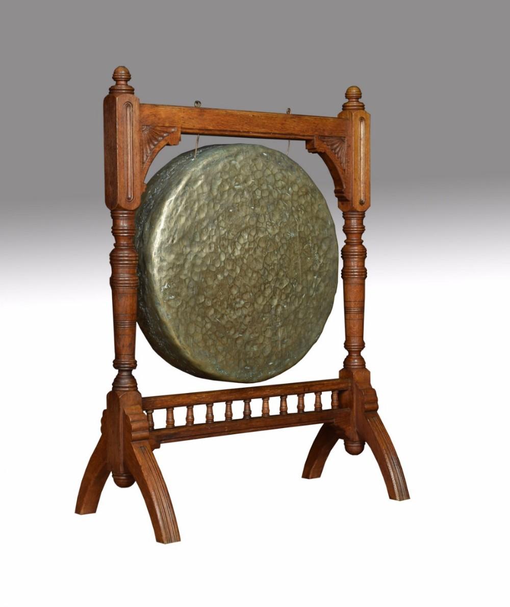 oak framed diner gong