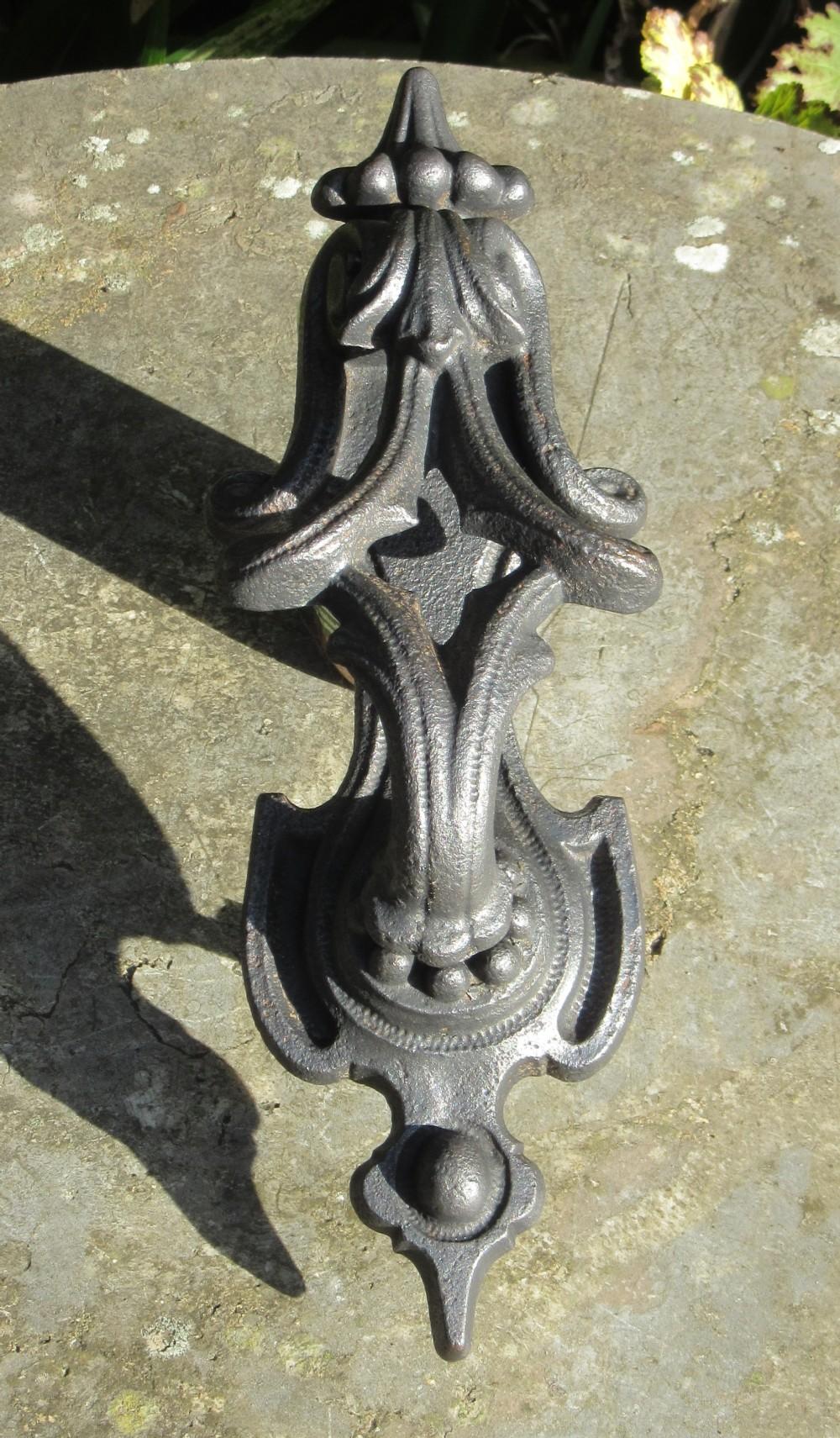 victorian cast iron kenrick door knocker no 294