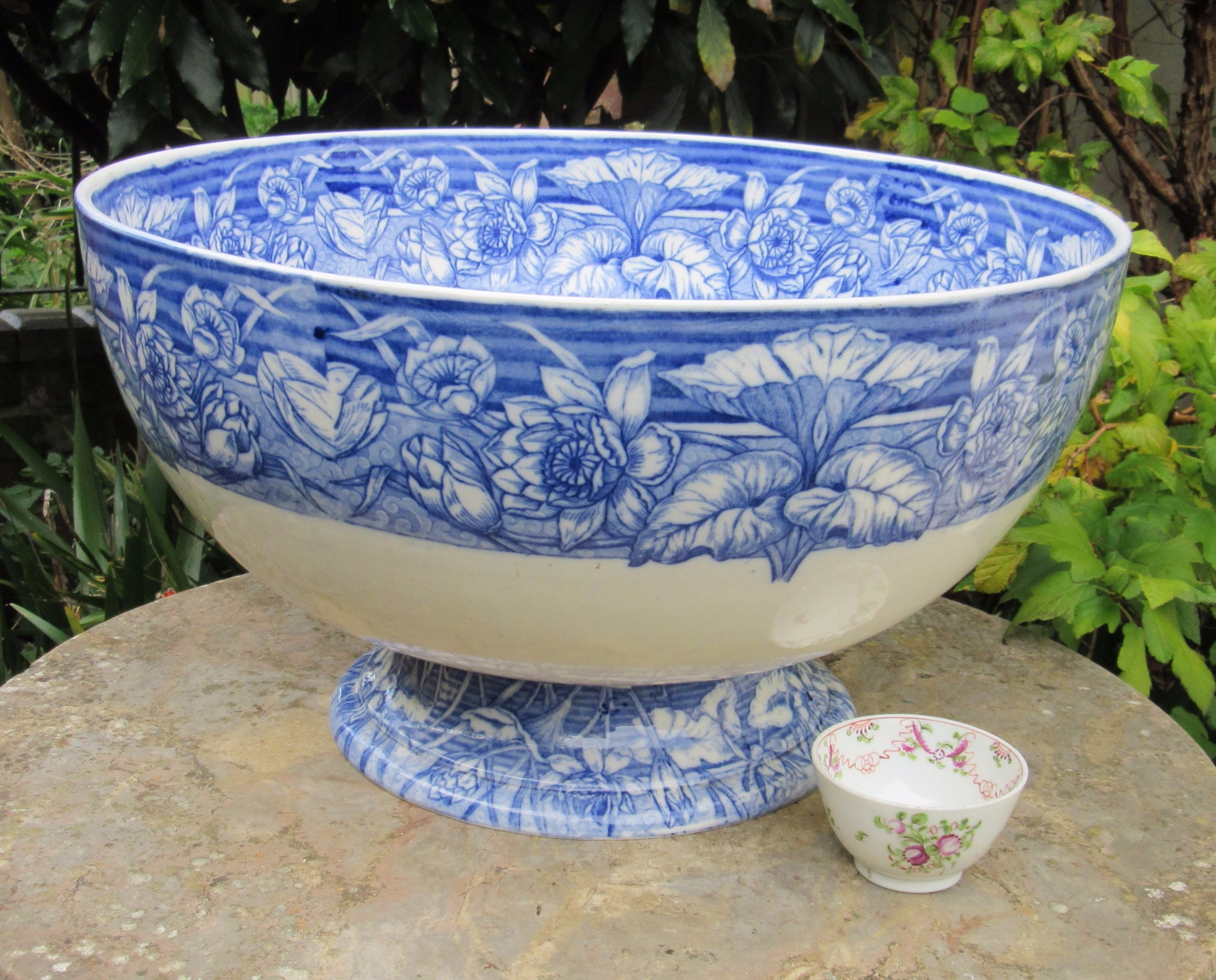 very large victorian wedgwood blue white punch bowl