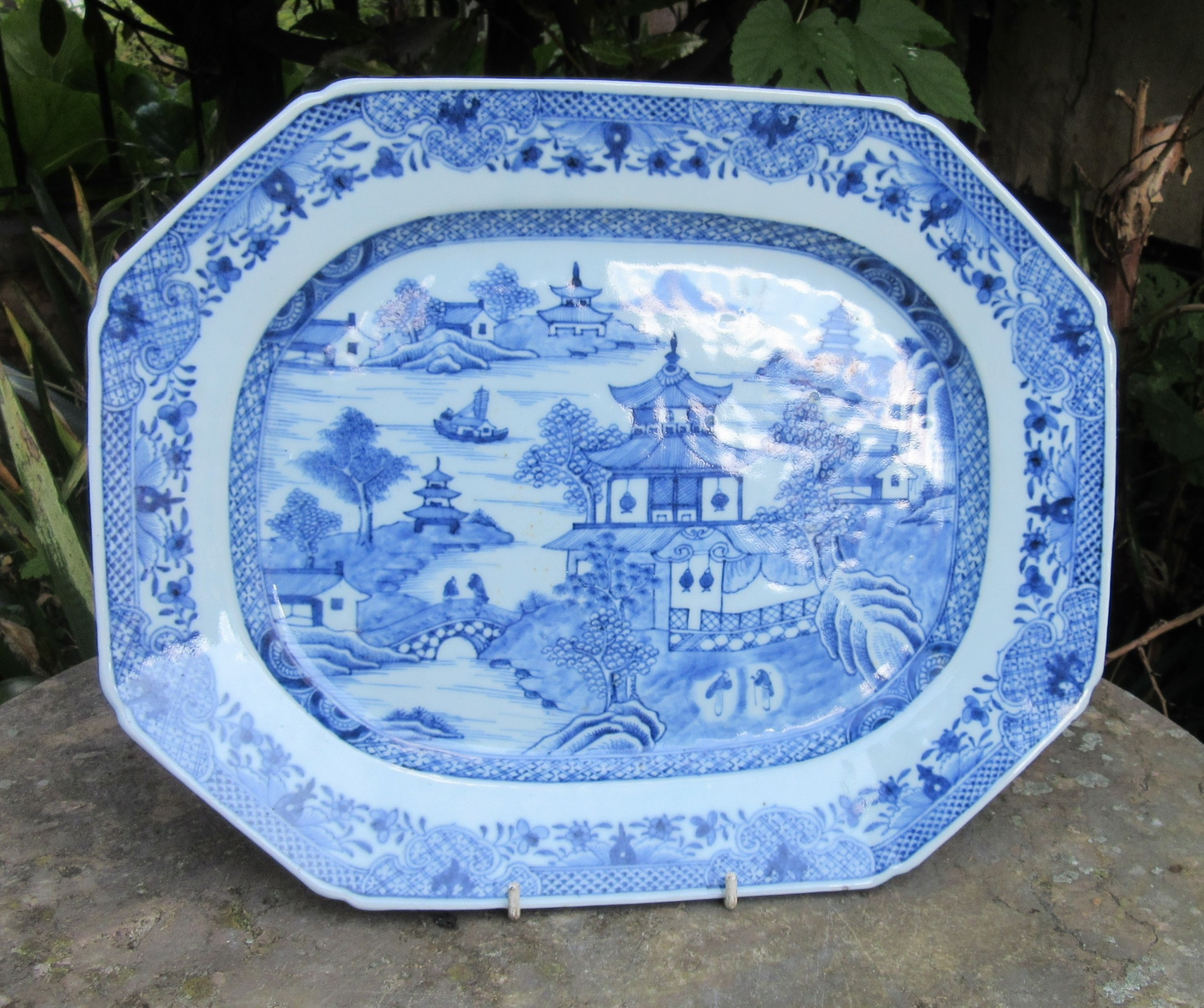 chinese blue white serving plate c1800