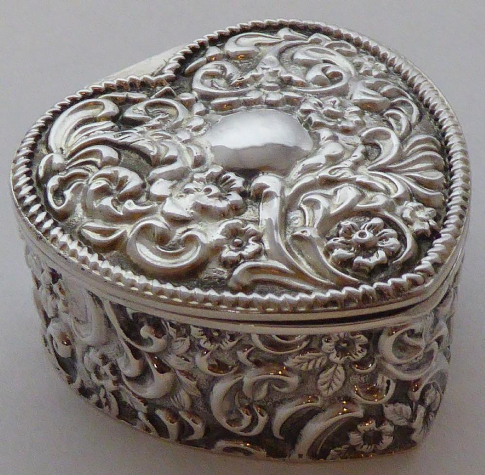 edwardian 1900 hallmarked solid silver love heart pill earring jewellery box