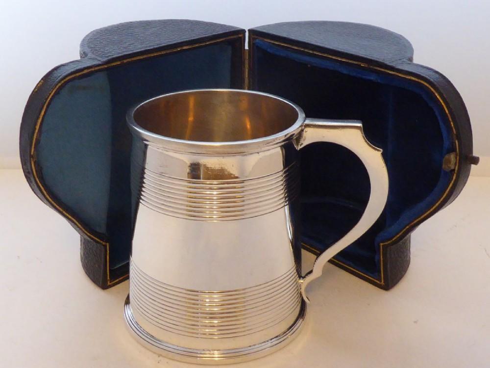goldsmiths silversmiths 1906 hallmarked solid silver tankard christening mug