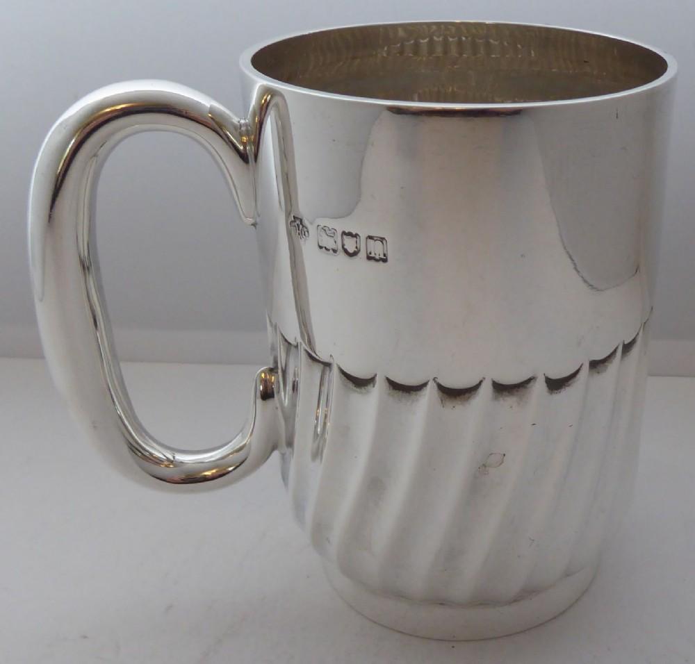 1908 hallmarked solid silver 12 pint tankard christening mug 205g by w hutton