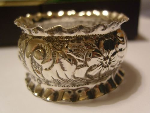 lovely pair of boxed victorian silver napkin rings - photo angle #4