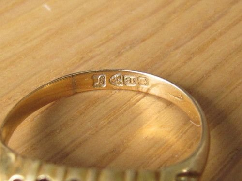 Lovely Ruby & Diamond 18ct Gold Ring Chester Hallmark 1918