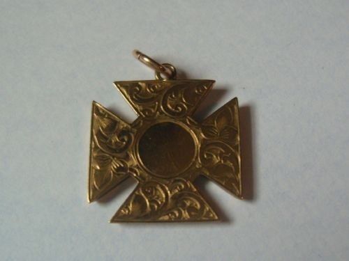 Lovely 9ct gold maltese cross pendant 168552 sellingantiques lovely 9ct gold maltese cross pendant mozeypictures