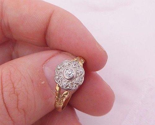 fine 18ct gold art deco diamond flower ring