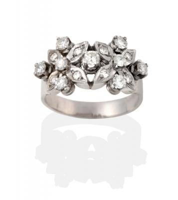 beautiful 18ct white gold diamond double flower cluster ring
