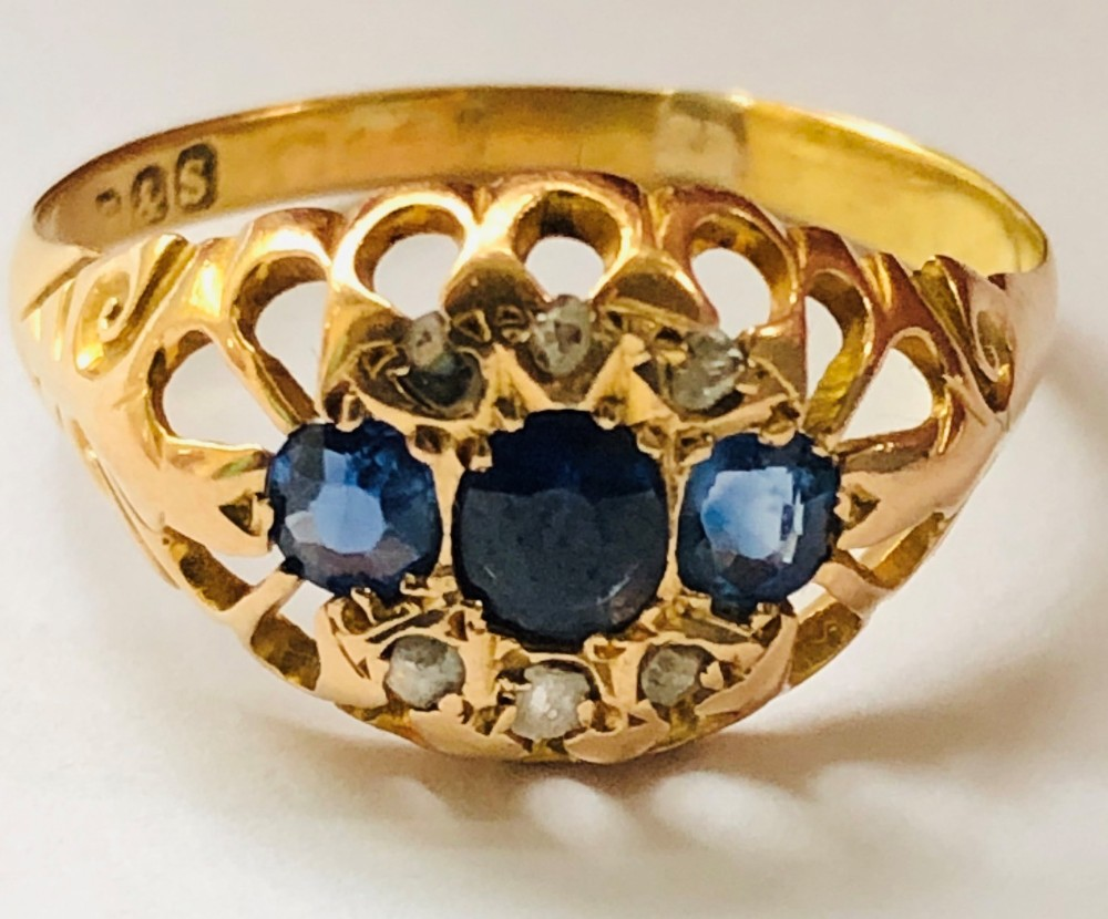 lovely 18ct gold 3 stone sapphire rose cut diamond ring