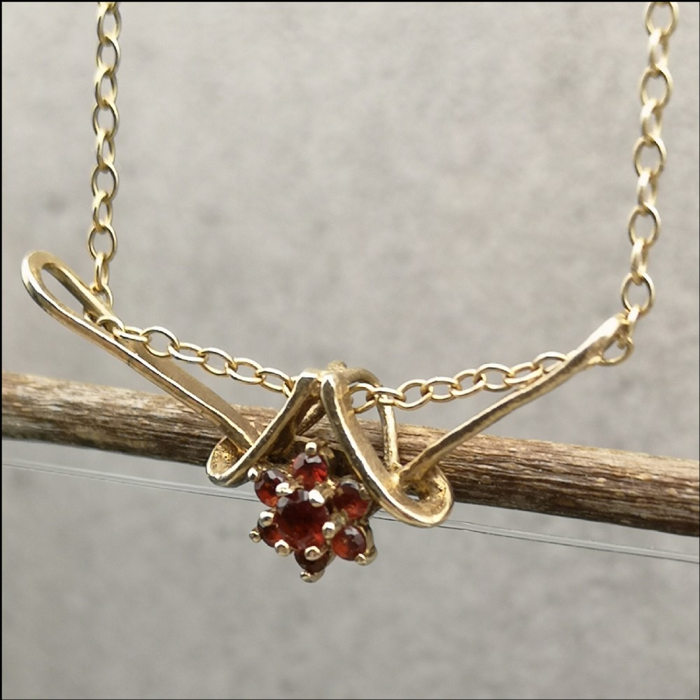 9ct gold ruby flower cluster pendant necklace
