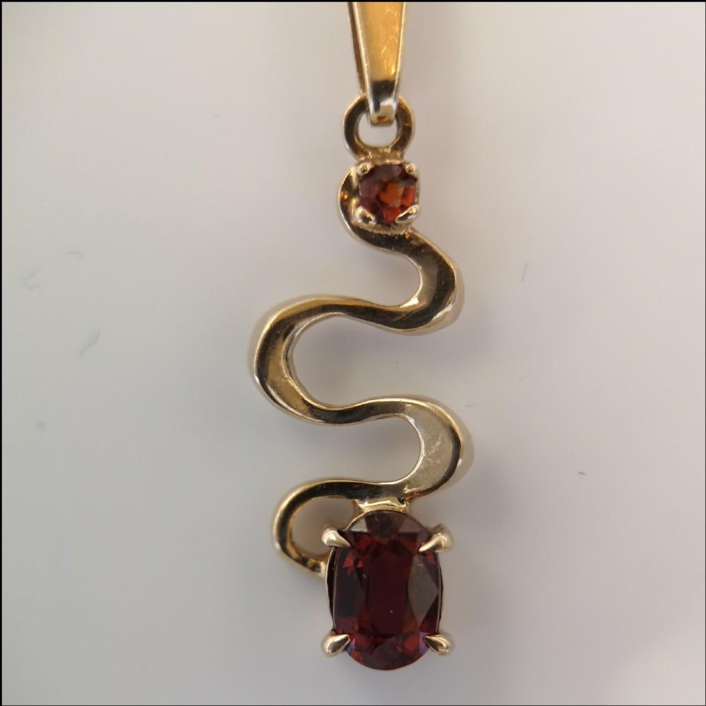 9ct gold garnet vintage snake pendant on chain