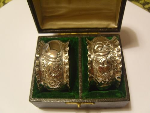 lovely pair of boxed victorian silver napkin rings