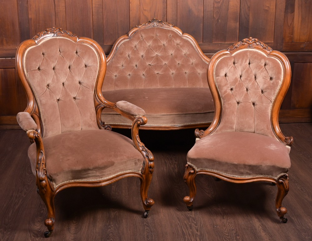 stunning victorian walnut parlour settee and two chairs