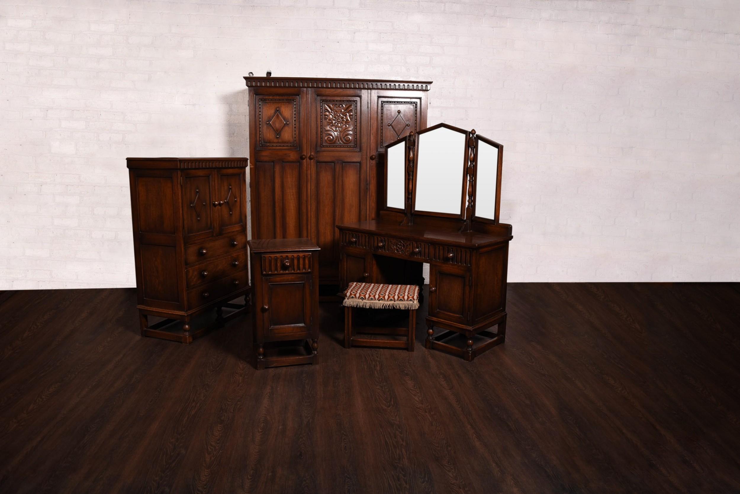 carved oak 5 piece bedroom suite