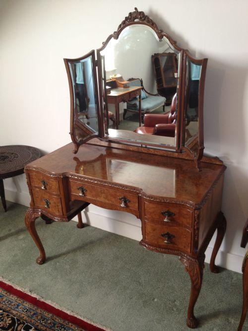 Walnut Triple Mirror Dressing Table Desk 182377