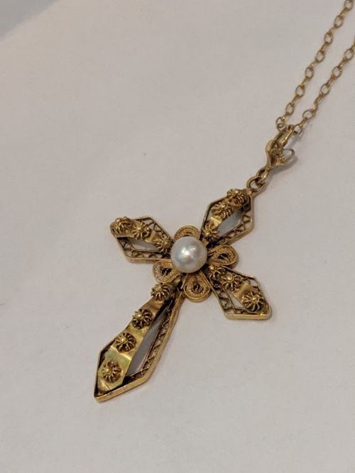 18ct gold pearl cross necklace