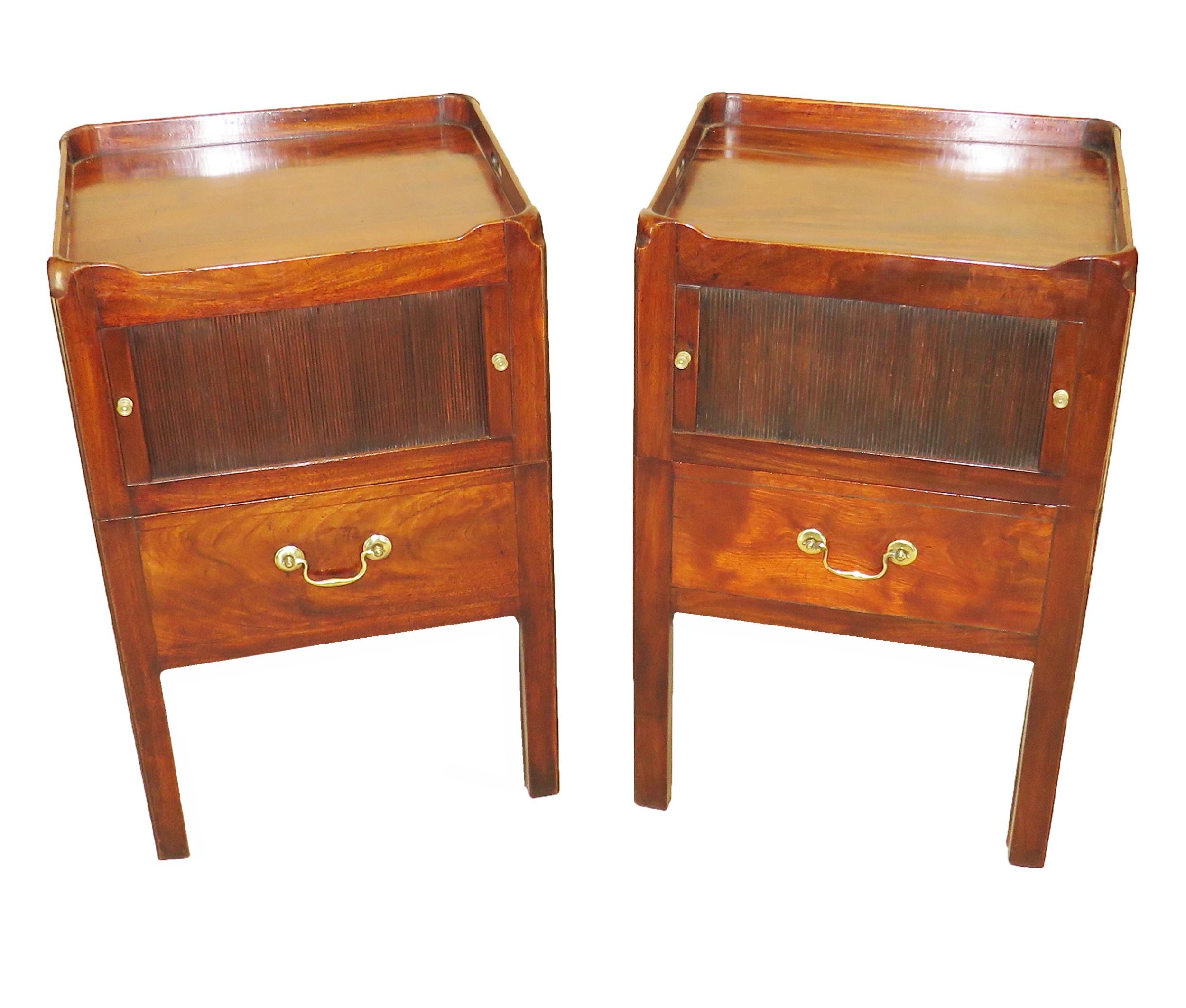 georgian mahogany 18th century pair of bedside night tables