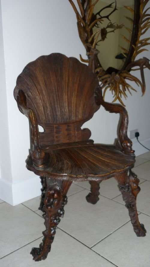 Gentil 19th Century Venetian Italian Grotto Chair