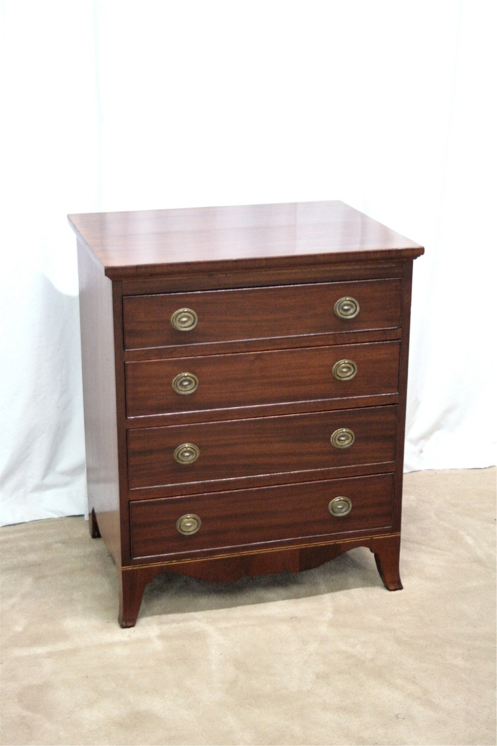 Small mahogany chest of drawers sellingantiques