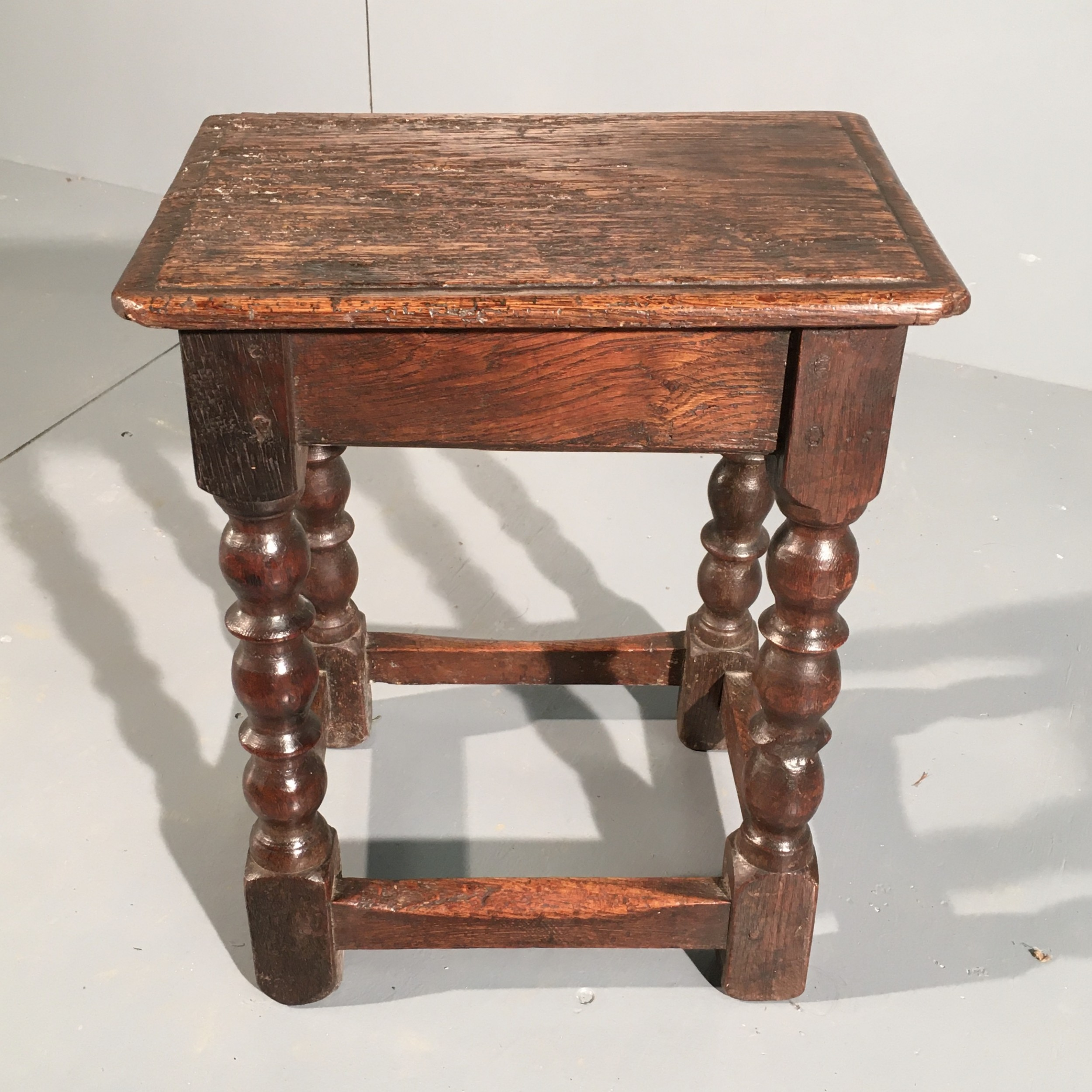 oak joint stool 17th century