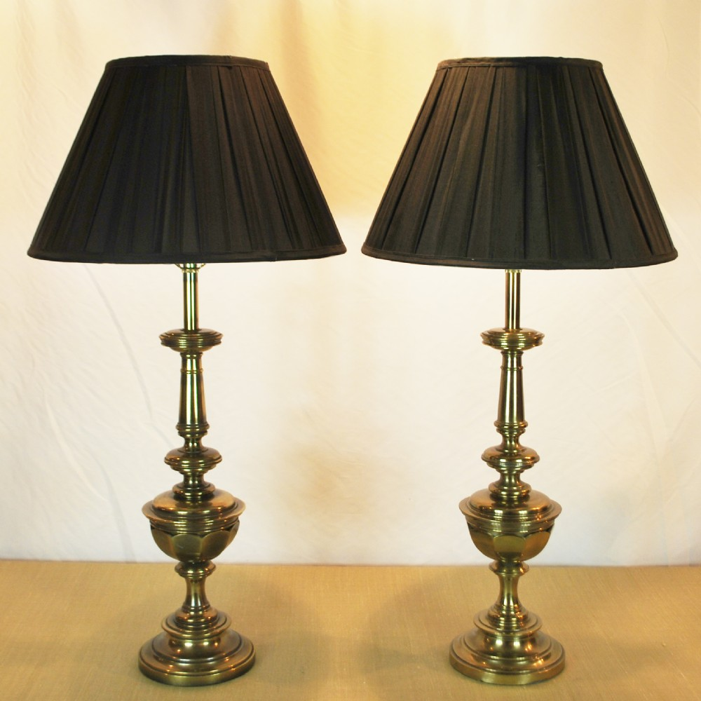 large brass table lamps by stiffel 265869. Black Bedroom Furniture Sets. Home Design Ideas