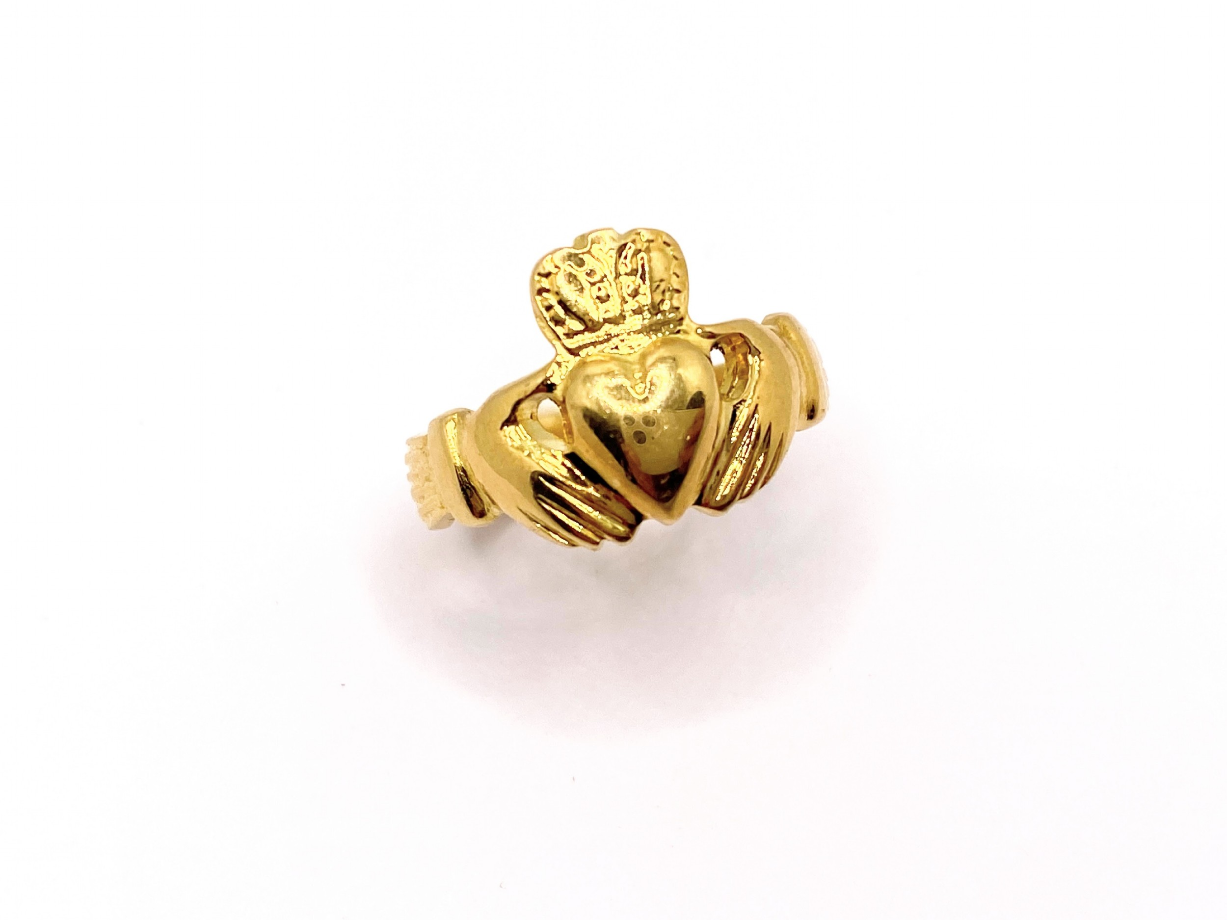 18ct claddagh ring
