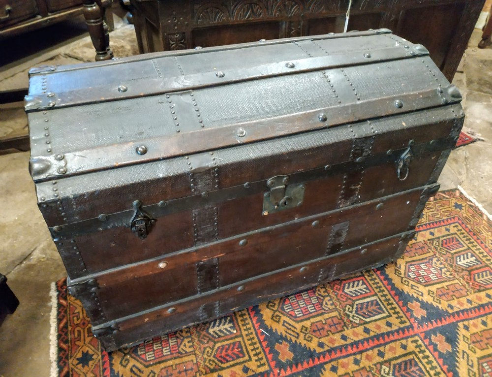 early 20th century oak chest