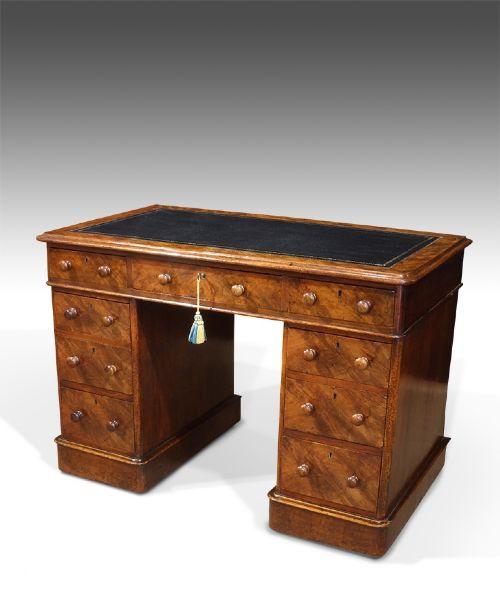 good quality 19th century walnut pedestal desk