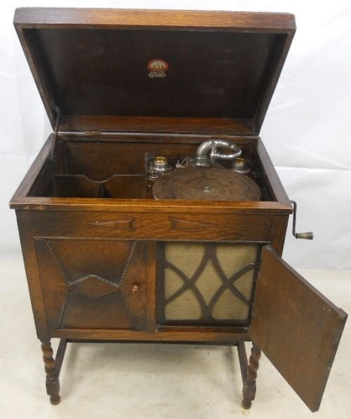 old cabinet gramophone by edward o'brien - Old Cabinet Gramophone By Edward O'brien 84520 Sellingantiques.co.uk