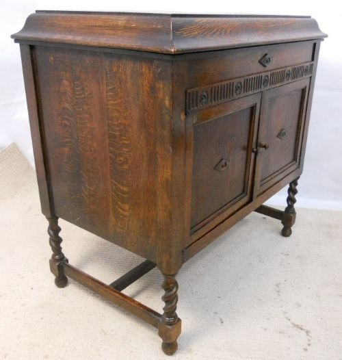 Declaration - Oak Cased Gramophone Cabinet By Gilbert 175414 Sellingantiques.co.uk