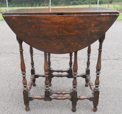 Small Oak Oval Gateleg Table