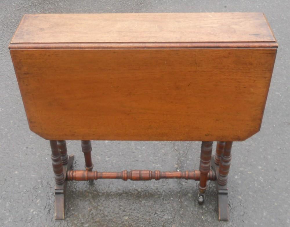 edwardian walnut dropleaf coffee table