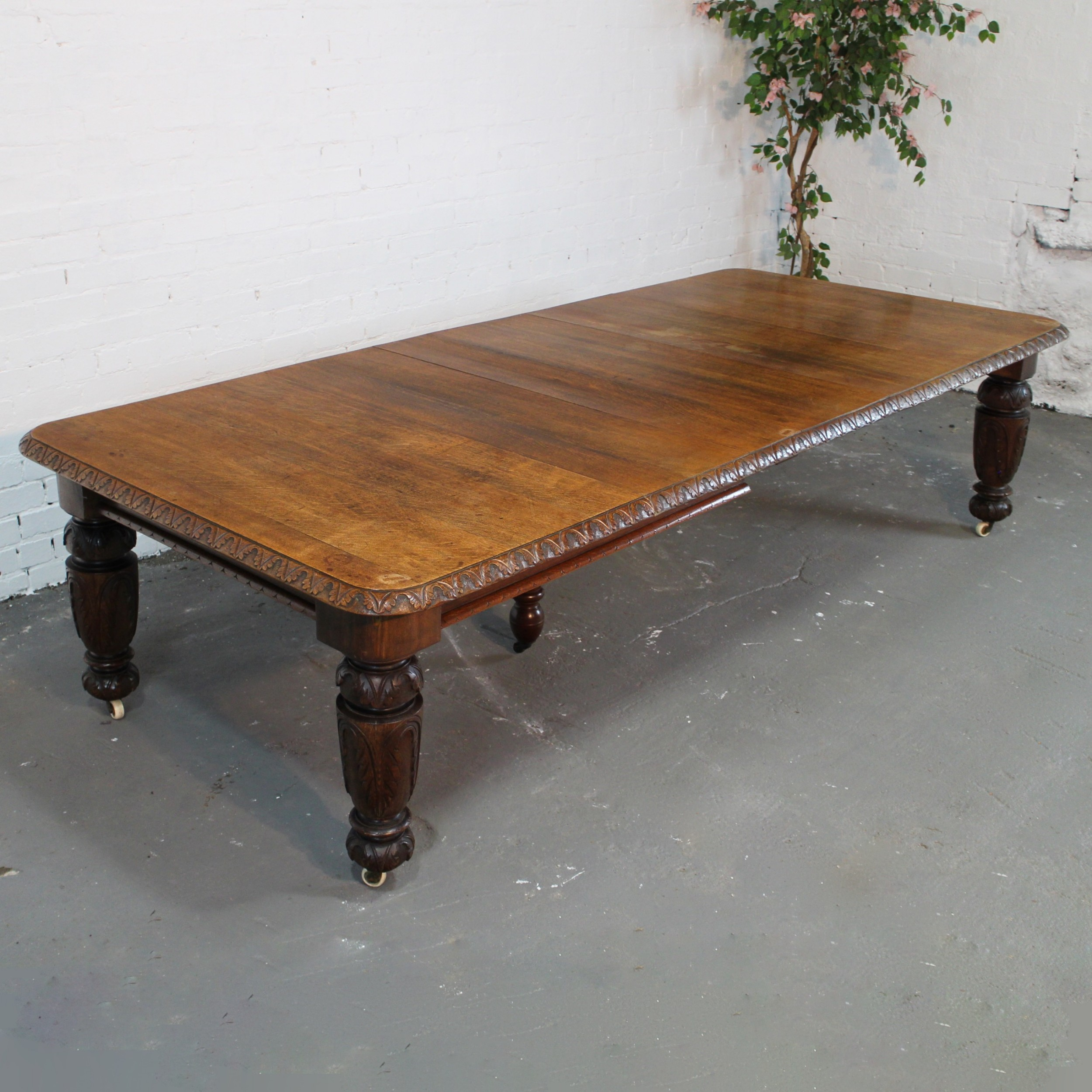 Dining Table Seats 12: 9ft9 Victorian Oak Extending Dining Table, Seats 12