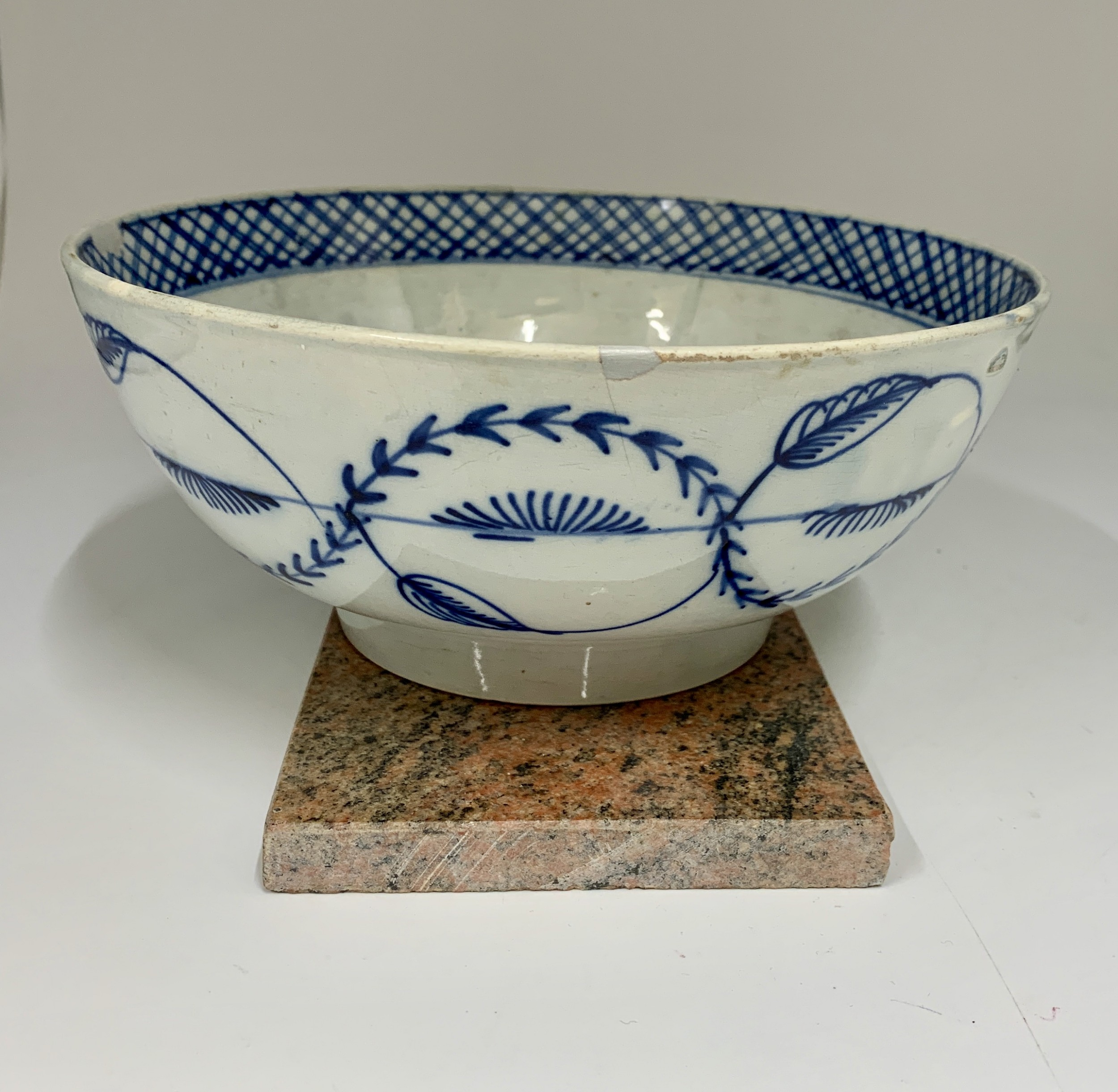 antique early 19 th century pottery pearlware bowl circa 1810