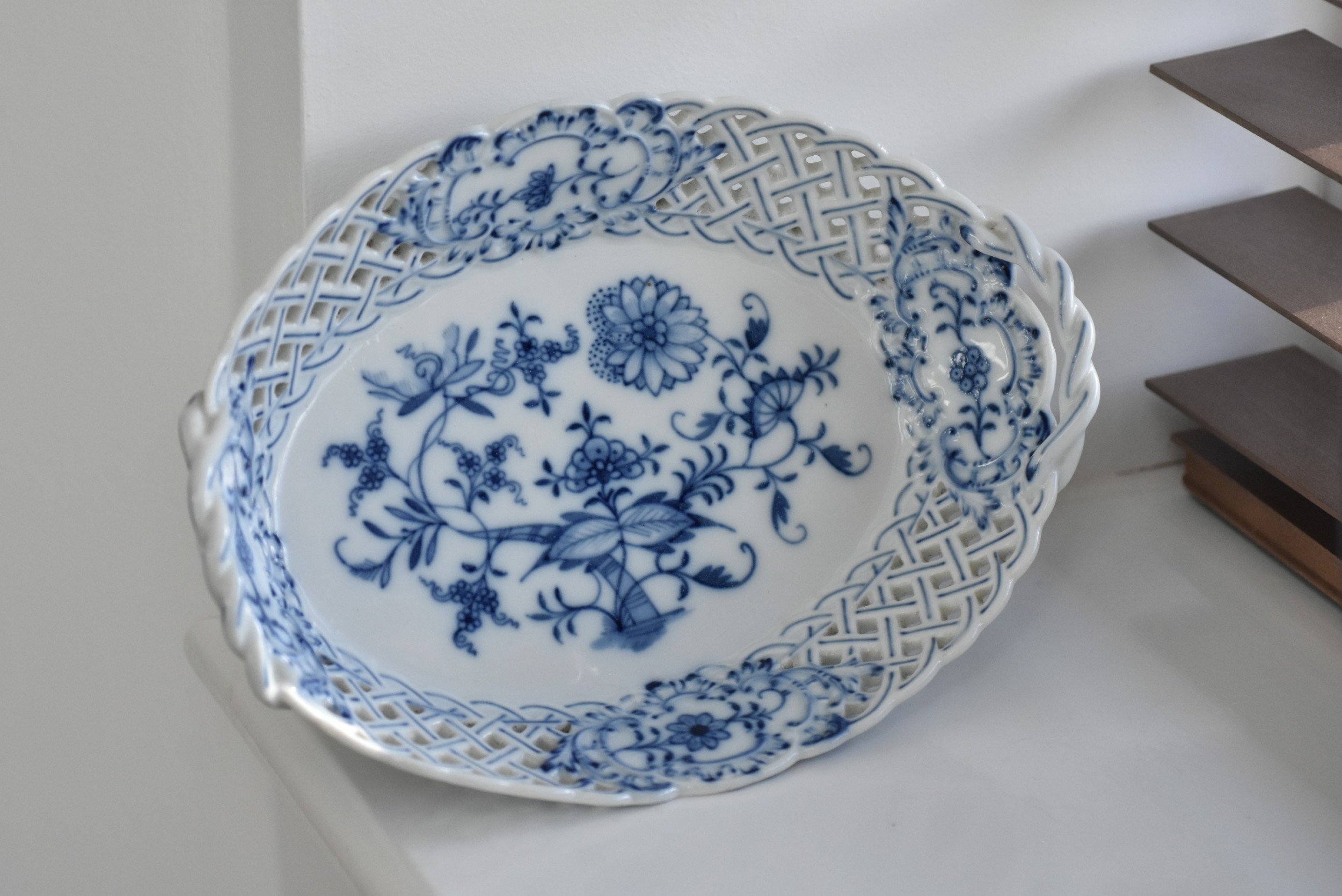 meissen onion pattern reticulated oval dish c1900