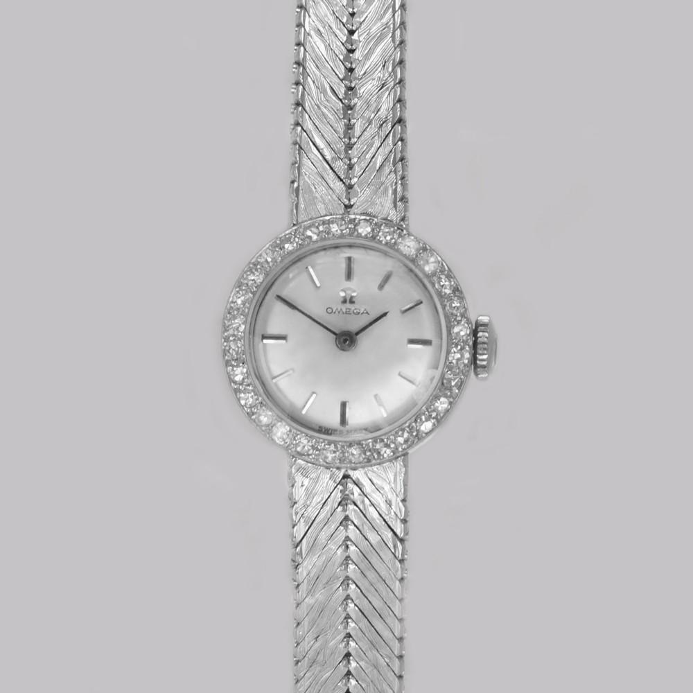 omega diamond bracelet watch 18ct white gold ladies vintage 1960s manual watch