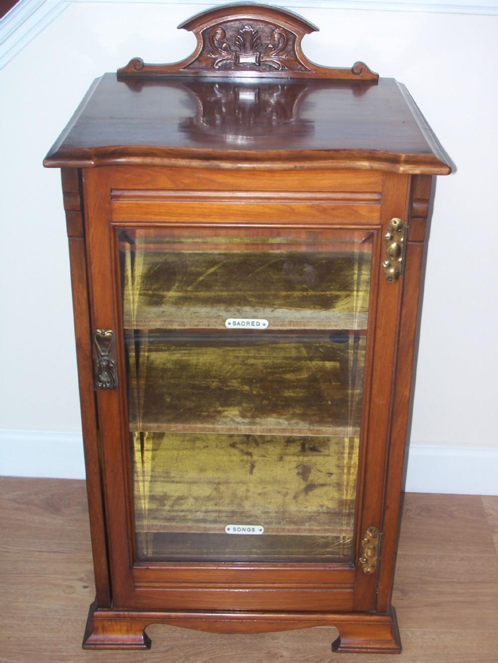 Etonnant Edwardian Walnut Music Cabinet