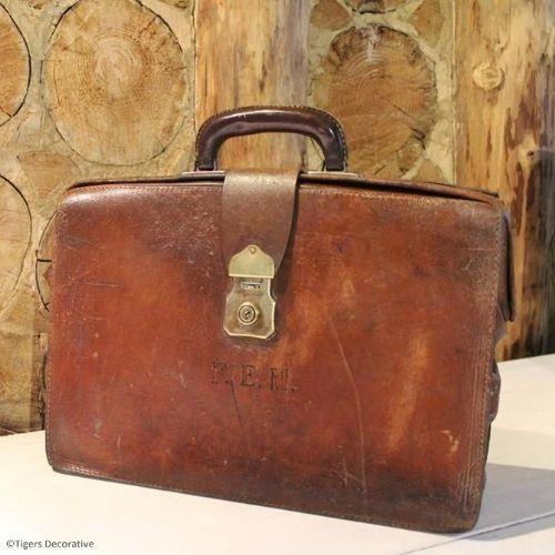 Vintage Leather Briefcase | 380861 | Sellingantiques.co.uk