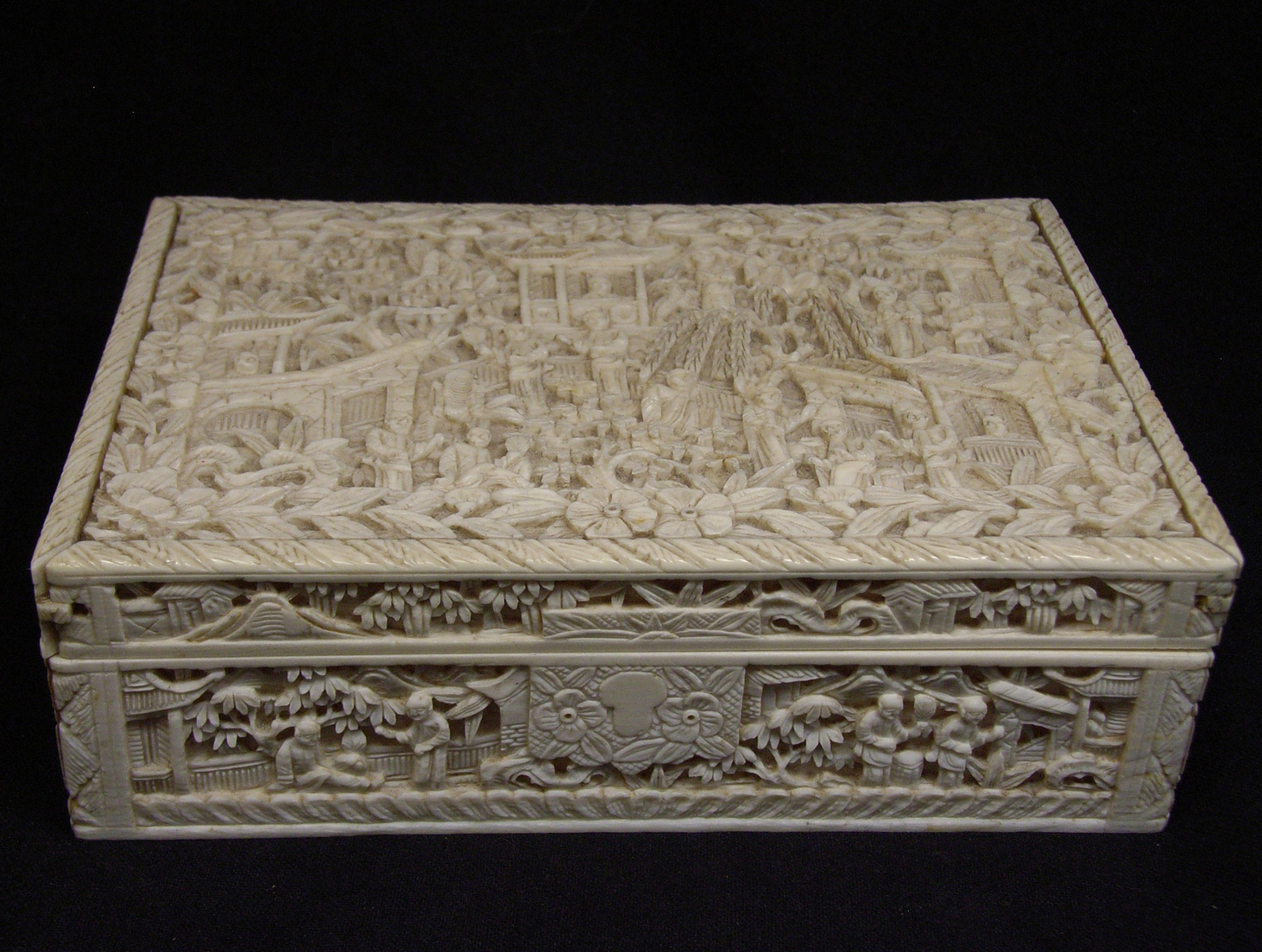 Superb Antique Chinese Cantonese Ivory Jewelry Box 517695