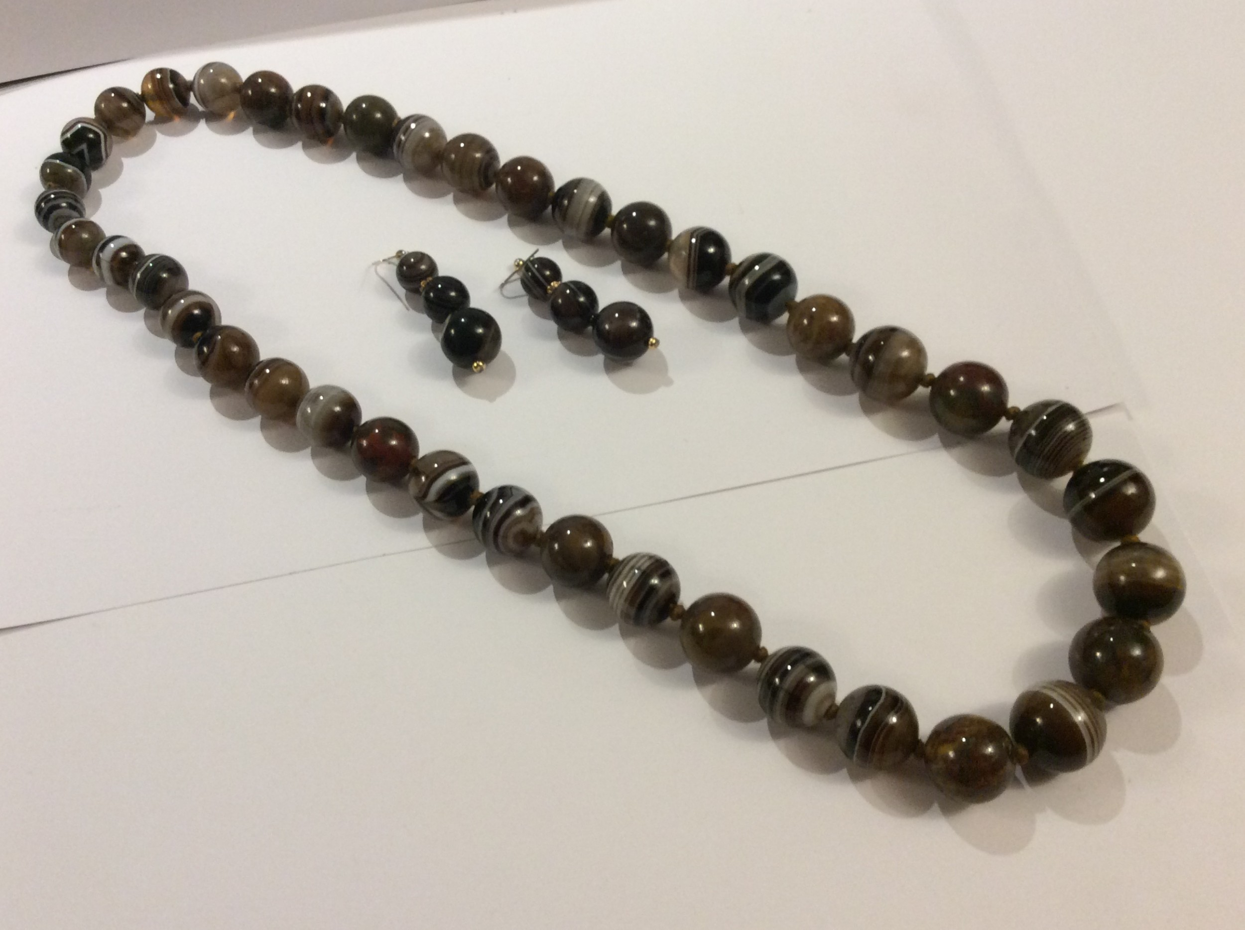 scottish banded agate necklace with matching earrings