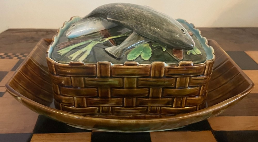 george jones majolica sardine dish with attached tray stunning condition