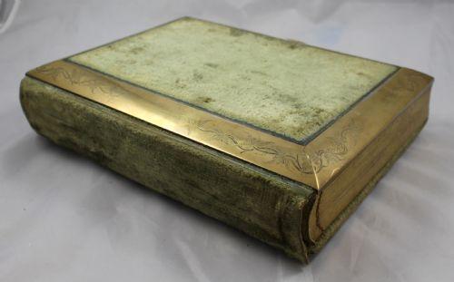 Antique Victorian Velvet Brass Bound Photo Picture Album 568267