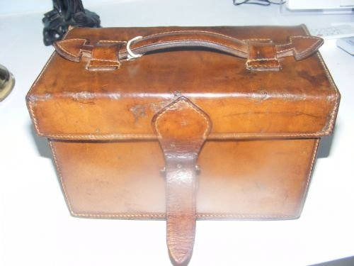 good vintage leather shotgun cartridge case