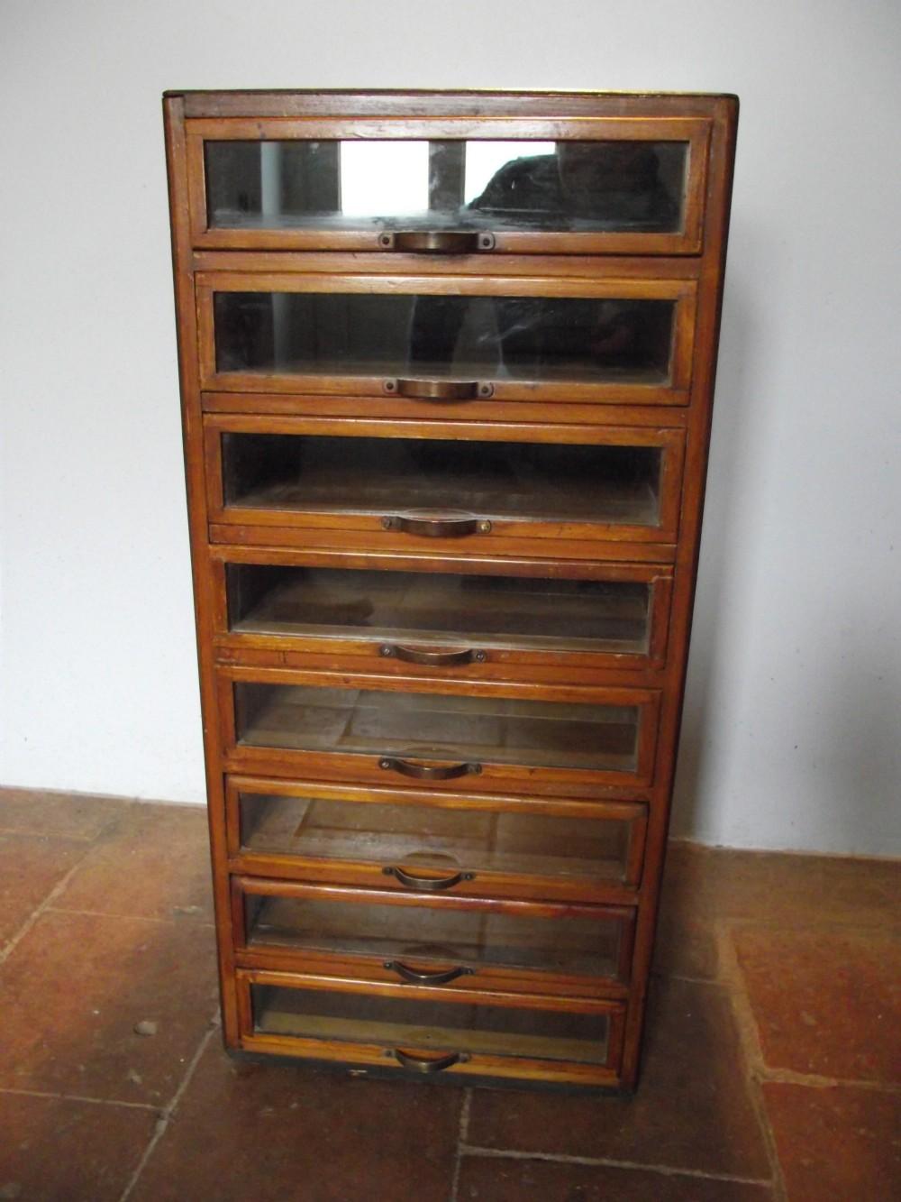 Attrayant 192030s Small Size Haberdashery Cabinet