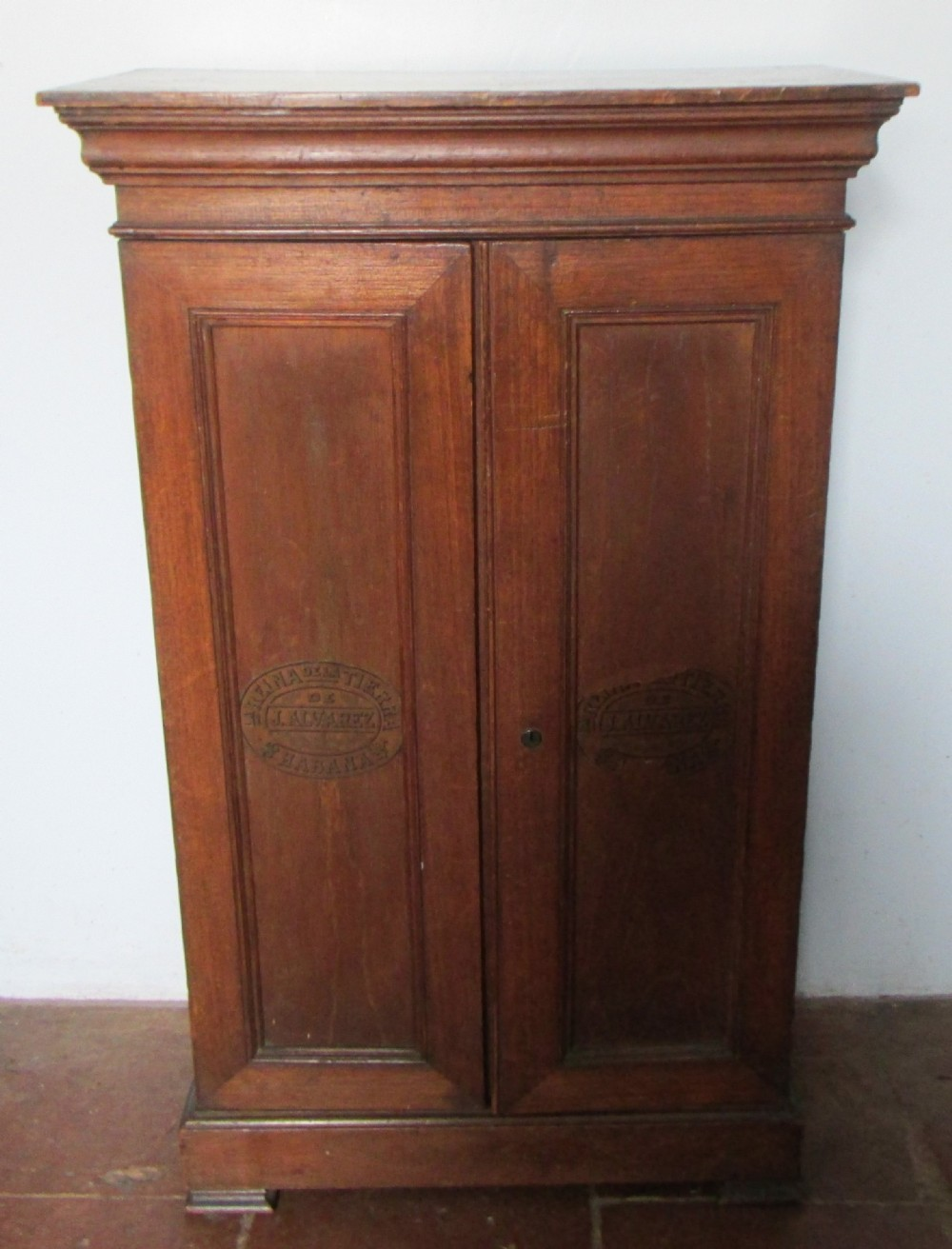 unusual victorian cuban cigar retail cabinet. antique photo - Unusual Victorian Cuban Cigar Retail Cabinet 348052