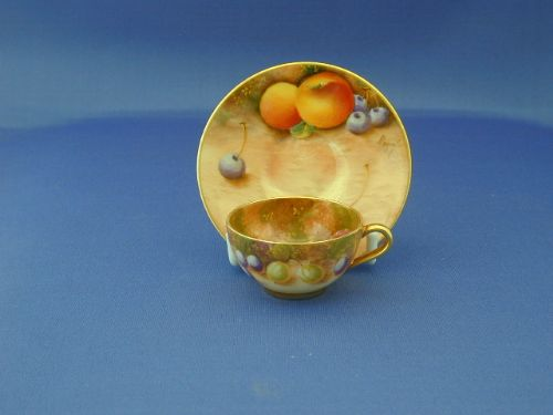 Royal Worcester Miniature Cup And Saucer | 186526 | Sellingantiques ...