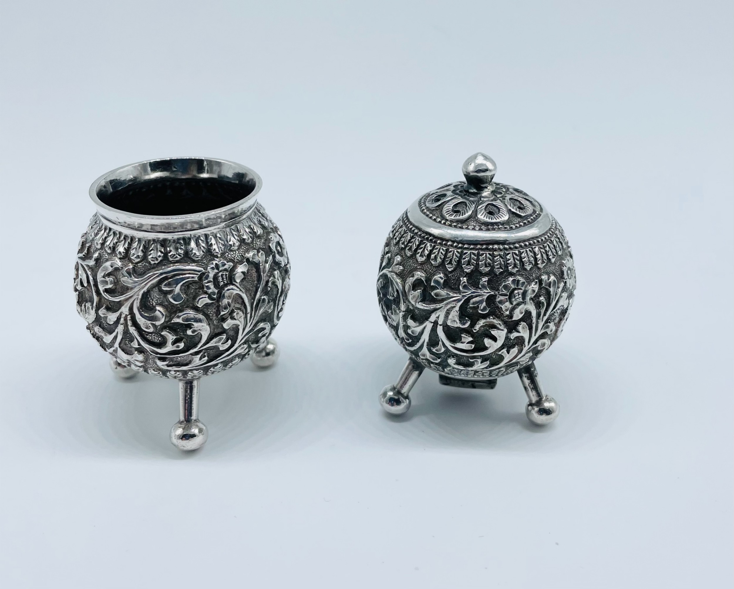 stunning pair of antique indian silver salts c1880