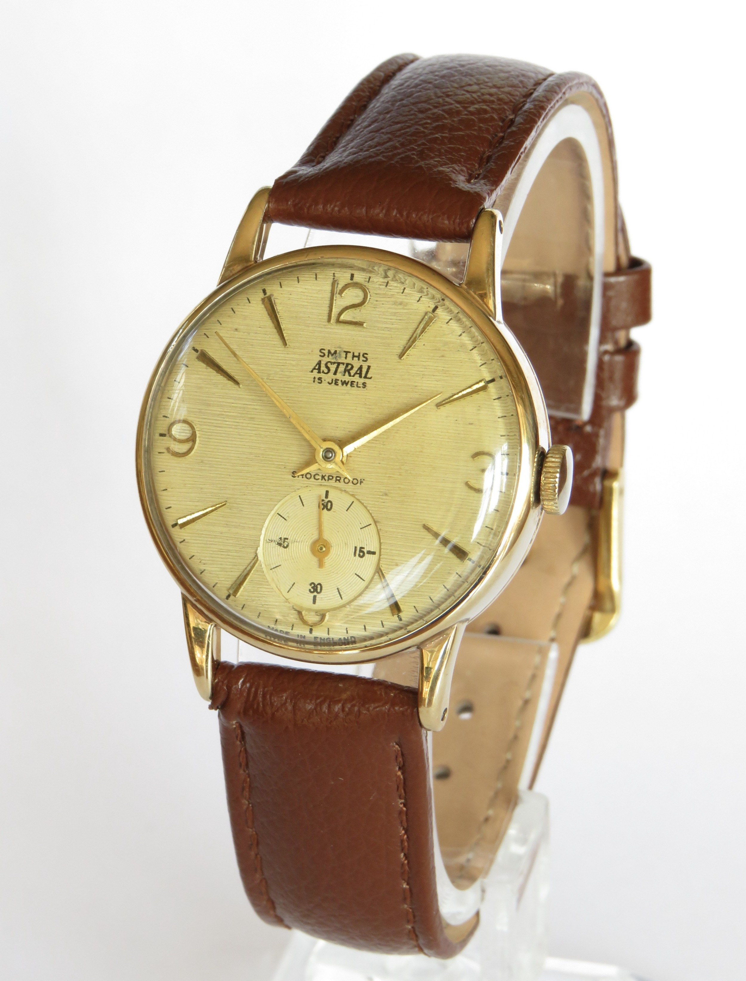 gents 9ct gold smiths astral wrist watch 1961